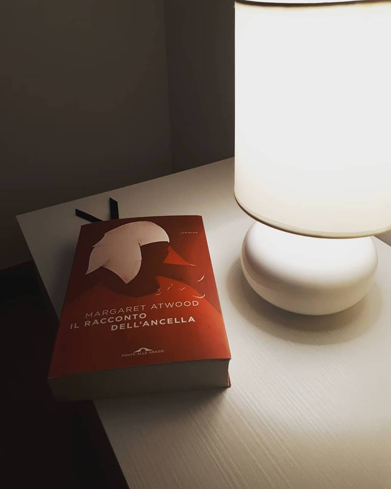 """Recensione: """"Il racconto dell'Ancella"""" di Margaret Atwood"""